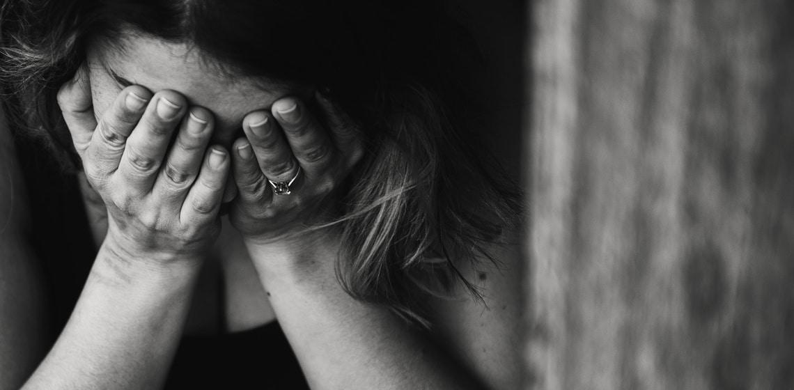 Weinende Frau mit Borderline