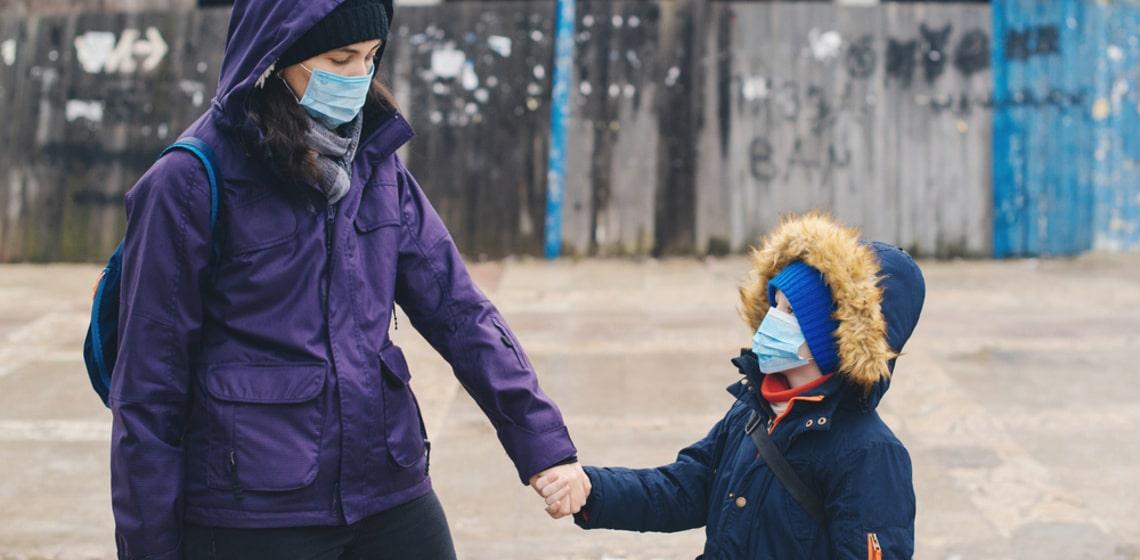 Mit Kevin allein zuhaus' - Mutter und Kind in Quarantäne