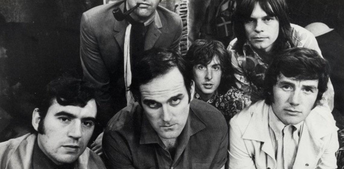 Monty Python Status Tag - eine Prise britischer Humor gefällig?