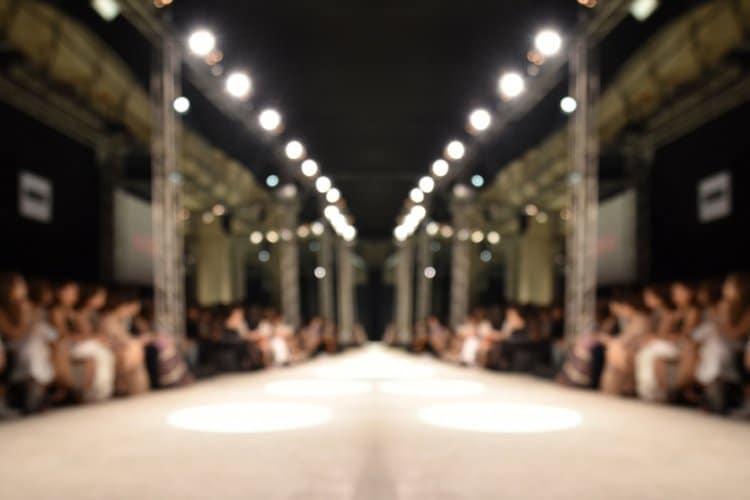 Catwalk bei Modenschau ohne Models