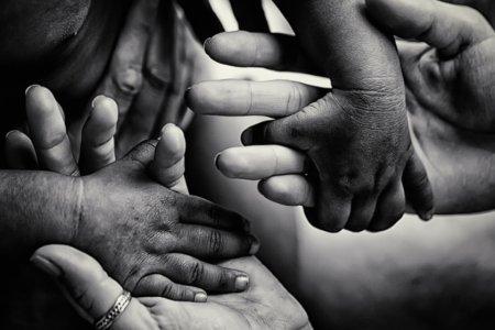 Zwischen Schuldgefühl und Engagement - was tun gegen das Leid der Welt?
