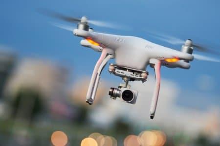 Marihuana Aktivismus: Drohne wirft dutzende Päckchen gratis Weed ab!