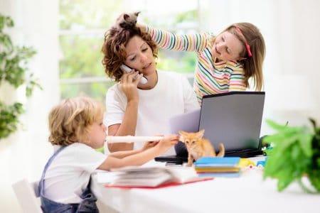 Schulschließung: Eltern im Spannungsfeld - egal wie, es ist falsch