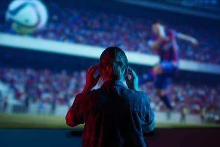 Zocken auf großer Leinwand: Kinos öffnen Tore für Gaming