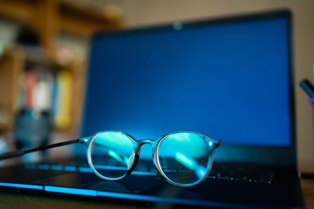 wie gut hilft blaulichtfilter brille