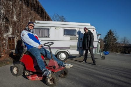 "Interview: Kardinal Kaos & Alligatorman aka Kardinator über ihr erstes Kollabo-Album ""Rasenmäher"""