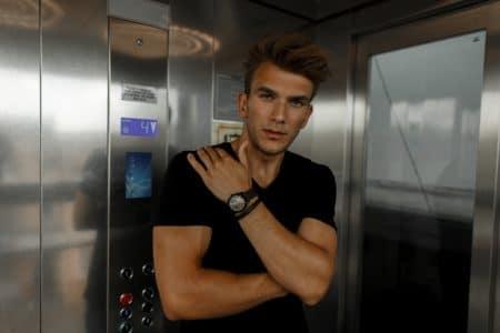 Elevator Boys auf TikTok: Zu jung. Zu schön. Zu intelligent.