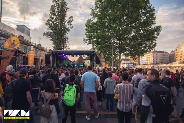 Clubkultur im öffentlichen Raum von Wien: Berlin als Vorbild?